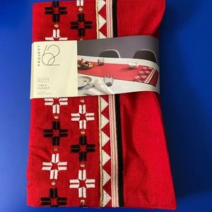Project 62 table runner new